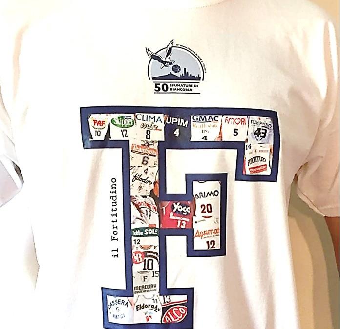 Nuova T-shirt del 50° e quiz a premi