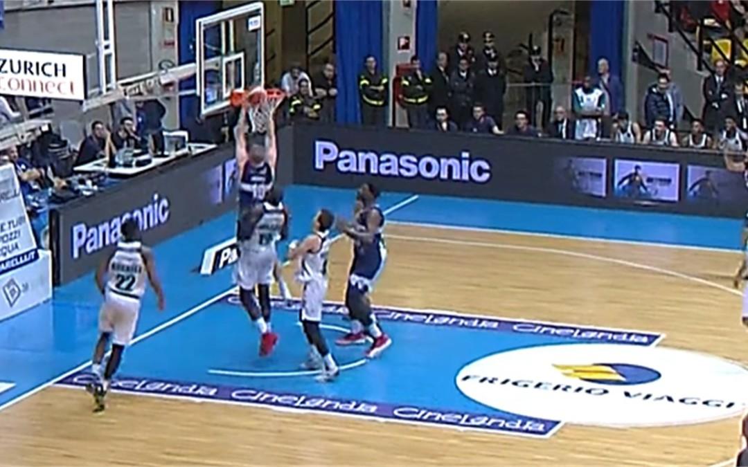 La Effe ribalta la partita e strappa la vittoria a Cantù al supplementare (84-82)